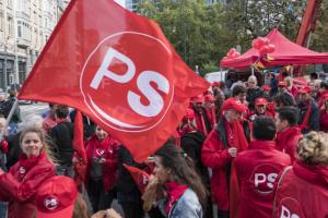 Groupe Socialiste du Parlement de Wallonie - Vidéo - Manifestation pour le maintien d'un service public de qualité